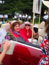Trese & Caroline in car